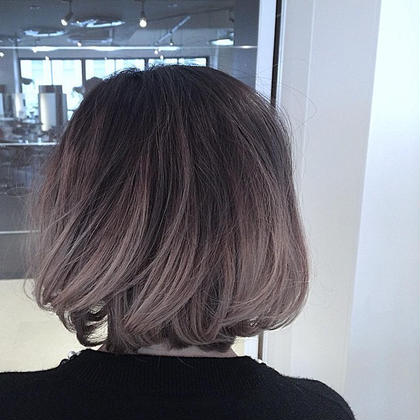 タブルカラーのグレーグラデ free-lance 完全マンツーマン 髪質改善ASTELLA所属・AKIHIROのスタイル