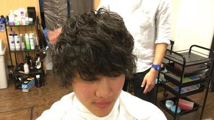 パーマ感少し強めの動きのあるスタイル smile hair所属・加藤拓馬のスタイル