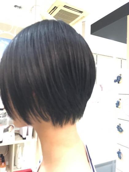 首元のスッキリしたスタイルで大人な女性に。  この夏におすすめのヘアスタイルです^^