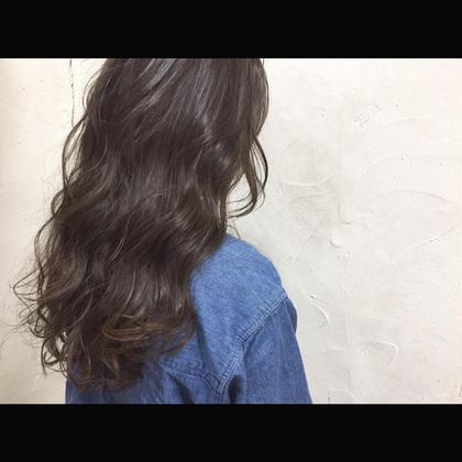 カラー セミロング ミディアム ロング Real salon work✂︎  [ノンブリーチ⭕️9トーンブルージュ] アッシュ、ラベンダーアッシュ、ブルーのmixでブルーづくしカラー☆☆☆ .  #NAKAIstyle #カラー#ノンブリーチ#ブリーチなし#ブルージュ#グレージュ#9トーン#アッシュ#外国人風カラー#大人の外国人風カラー#ロング#巻き髪#お客様カットカラー