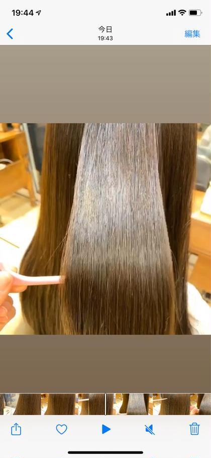 柔らかいストレートヘア