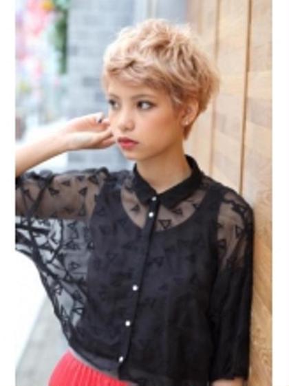 ショートはハイトーンも可愛い♡ Agu hair terrace by   alice所属・スエヨシフミナオのスタイル