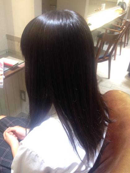 縮毛矯正モデル☆髪が多い、後ろのうねりが気になるとのことだったので縮毛矯正しました!!!☆サラサラツヤツヤになって私も嬉しいです\(^o^)/この長さで全体かけさせていただいて時間は2時間半♫料金は2500円です! Neolive:an所属・鮫島ゆり菜のスタイル