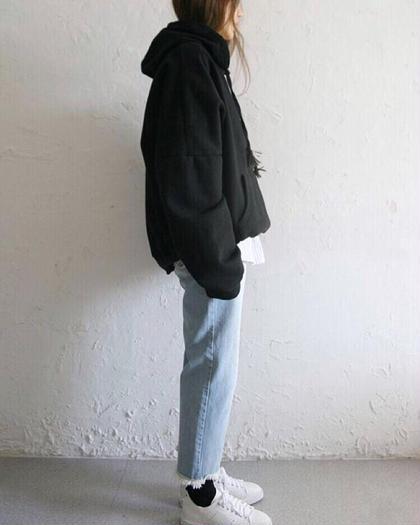 その他 カラー パーマ ヘアアレンジ ミディアム image ⚡︎ ヌケてるのにヌケ過ぎてない🌿 . hairもそんな感じの提案できればと思ってます✶ . #fashion#parka#denim . .