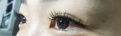 カールCカール 太さ0.2ミリ 10〜12の中央長めです。  長持ちしますように🥺❤️ Sweetnail&eyelash椥辻店所属・吉岡翠のフォト