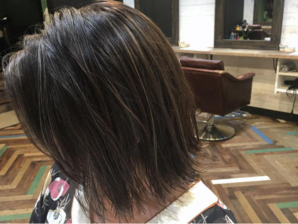 カラー  【 イルミナカラー × ハイライト 】  大人気の 細かめハイライト はコントラストをつけてヘアデザインにアクセントを ♪