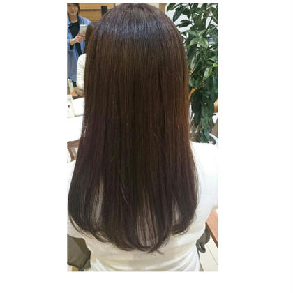 髪の毛に栄養を入れながらカラーしました! ヘアビューザーでドライしてツヤ髪です(*^^*) LiNA  ~Beauty Garden~所属・村上夏美のスタイル