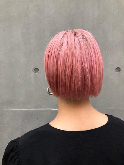 【ケアブリーチ】 業界で話題騒然、枝毛、切れ毛を94%削減!!! 数あるケア剤の中でも最高峰のモノを使用しております。 何種類ものケア剤を実験、検証を行い、一番いいものを選んでいます。 1ヶ月後の髪の毛の状態が全く違います。 Eight渋谷本店所属・高明度高次元カラー原田公祐のスタイル