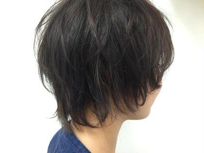 外国人風♫ブルージュカラー 暗めだけど透明感の透け感のあるカラー  コテで動きのある仕上げにしました(*^^*) TREAT所属・KUROMATSUMINAMIのスタイル