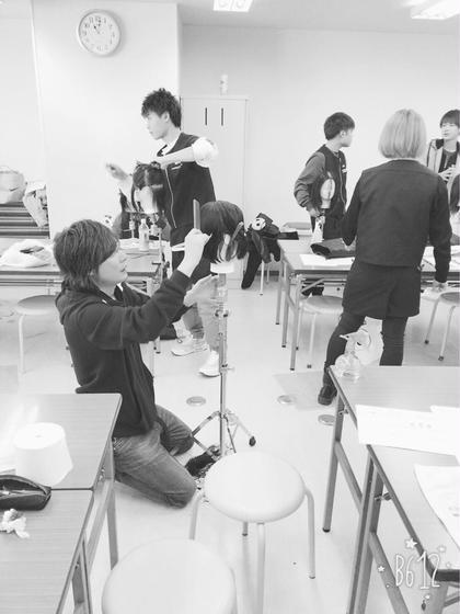 技術面ではスタイリスト指導や、美容学校にてカットなども指導しております✂️ wiz富里店所属・芝田浩幸のスタイル