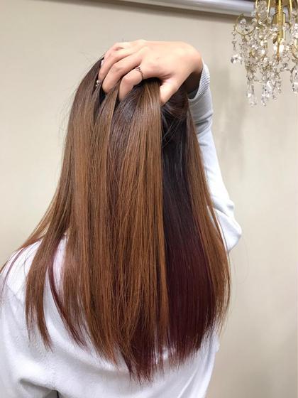 カラー ロング インナーカラーで人と差を。 チラリと赤毛が見える感じがかっこいいです。
