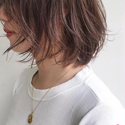 カラー 半端な長さは軽やかな抜け感で楽しむ◎ . ラベンダーでつくるシアーベージュはカジュアルすぎずヌーディーな印象に。 . . @soco.ao.tokyo  #haircut #haircolor #hairstyle #ハイライト