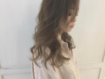 透明感のあるプラチナアッシュ knot hair&prodacts成田公津の杜所属・鈴木翔梧のスタイル
