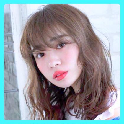 駒塚夏希のセミロングのヘアスタイル