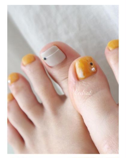 黄色とグレージュ おすすめ2色です♩