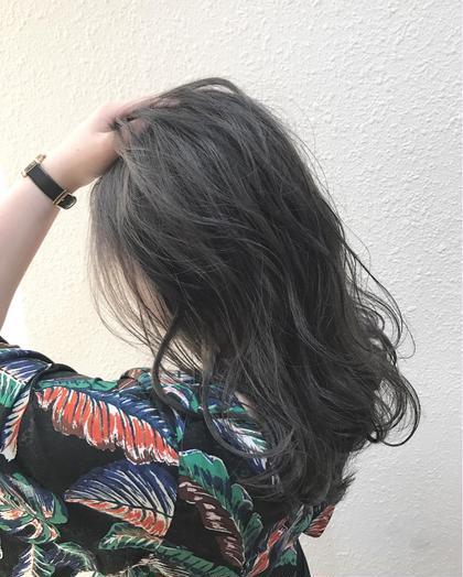 ハイトーンからの暗髪カラー✨ 柔らかいブルージュが最高に可愛いです  実際にご来店いただいたお客様です‼️ takumi.店長・美容師歴12年のヘアカラーカタログ