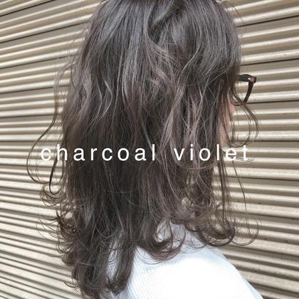 ミディアムレイヤースタイルと透明感あるチャコールバイオレット。 Musiiikhairのミディアムのヘアスタイル