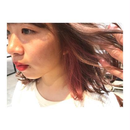 カラー ミディアム medium style . inner color 【 pink 💓】    可愛いは、 内側から💓    これくらいのピンクだと、 ブリーチ1回だけで出来ます✨   インナーに、ピンク。 かなりおすすめです!!!