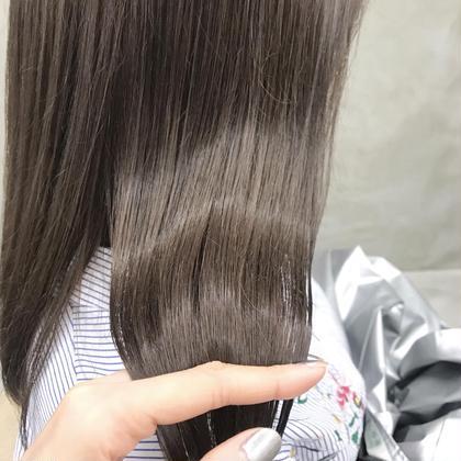. sheer  ... . 柔らかいグレージュカラー 人気です! . 赤味のない透明感溢れる、触れたくなる色味 . 青味が強すぎるアッシュは苦手な方! . 髪質を考慮し、お肌のトーンに馴染むお色をご提案致します! . ぜひ^^ . MIKA . . . . .  #hair #hairstyle #hairstyles #hairarrange #haircolor #haircut #bobhaircut #bob #ヘアカット #ヘアカラー #ハイライトカラー #ヘアアレンジ #ミディアムヘアアレンジ #ラベンダーベージュ #ベージュカラー #グレージュ #グレー #グレーカラー #美容室#美容師 #渋谷美容師#代官山美容師 石橋美香の