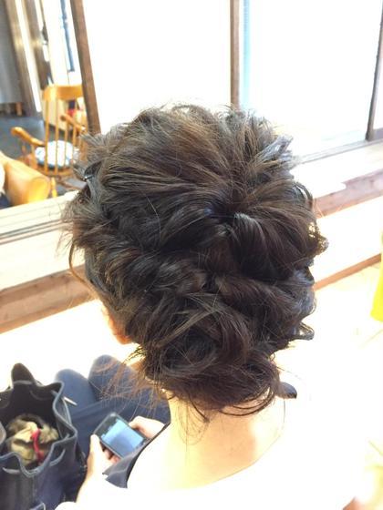 ロブのクルリンパを使ったルーズな編み込みアレンジ。 Lime hair&spa所属・佐藤礼子のフォト
