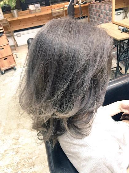 グレーアッシュグラデーション hair design West Side STANDARD所属・IkeshitaDaisukeのスタイル