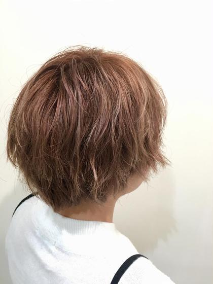 毛先のブリーチ毛を生かした 淡いピンクベージュ系 ビヨウシツポスタHair&LivingPosta所属・山中大悟のスタイル