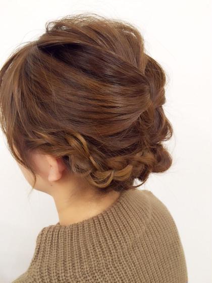 編み込み ダウンスタイルで、ナチュラルに((*´∀`*))  カラーはベージュ系 HairWork's r.Pixy所属・アールピクシーのスタイル