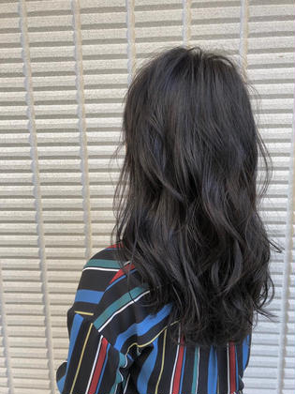 その他 カラー ヘアアレンジ ロング 【 ブルージュカラー 】  黒髪のブルージュカラー☺️  暗くても重く見えないのが特徴でとても人気です🌟  イルミナカラーのアッシュを使ってブリーチなしで柔らかい質感と淡い色味が軽やかな雰囲気を引き出してくれますよ☺️