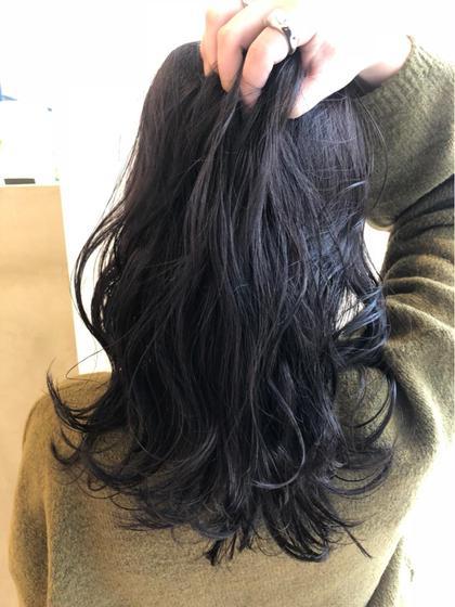 暗めアッシュ!!  透明感ある暗めカラーは この冬おススメカラー☺️ アトリエfemme所属・西川海のスタイル