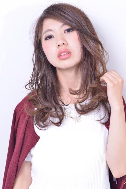 軽くし、かなり動きのあるヘアスタイル♫   buzz-Hairmake所属・藤原慶のスタイル