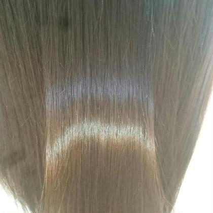 ダメージレス縮毛矯正でこの艶感です。