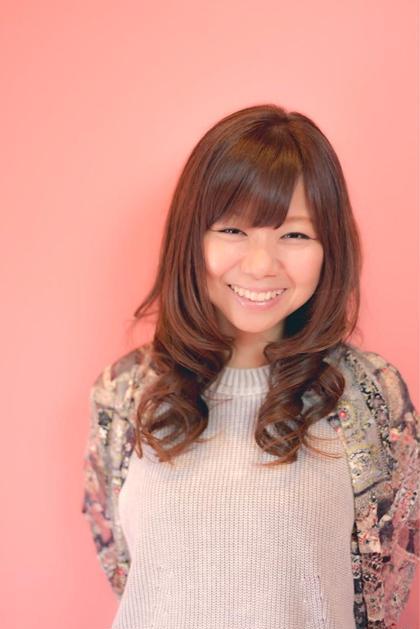 ゆるふわ♡巻き髪スタイル Pretty Vacant所属・岩田美和のスタイル