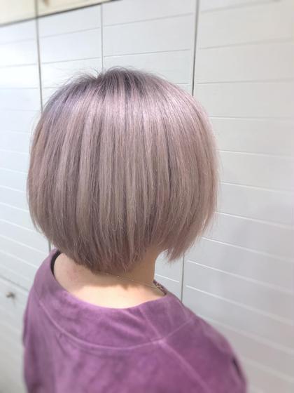 その他 カラー ショート 硬く、明るくなりずらい髪質の方は、ブリーチ×4回は必要なピンクパープル系カラーです。 色が抜けるとホワイト系に近づきます、ムラシャンで色をキープしながら楽しめます!
