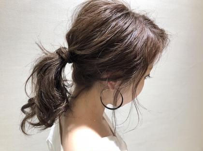 ・ブリーチなし ・チョコレートアッシュ 甘くて女の子らしい雰囲気のヘアカラー 髪にツヤ感をプラスしてくれるチョコレート色!! HAIR&MAKE AXIS所属・小野 厚稀のスタイル