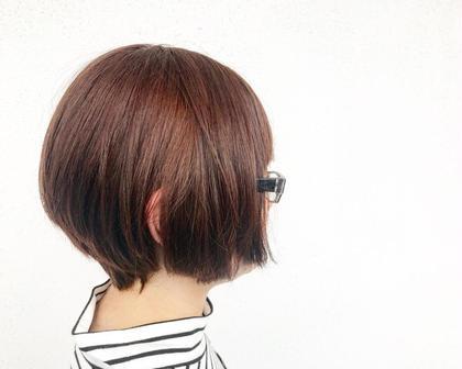 その他 カラー レッドよりのウォームブラウン✨  元の髪色8レベルの上から カラーさせていただきました。  普通毛で少し硬めの毛質なので、 赤が綺麗にでて、 ツヤ感のあるブラウンに仕上がりました☺️