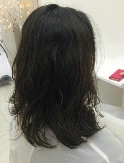 立体間のでる内巻き、外巻きのミックスパーマ! ムースでもみこむだけ! Michio Nozawa Hair S所属・宮崎洋輔のスタイル