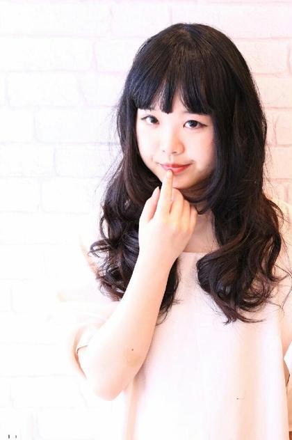 Miss  BIGUINE  ミスビギン所属・坂口真由のスタイル