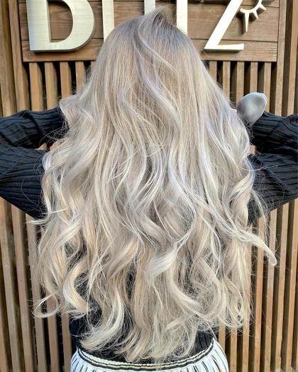 🌈さらにお安くしました!ブリーチを使ったデザインカラー+GMミルボン髪質改善トリートメント💫😍