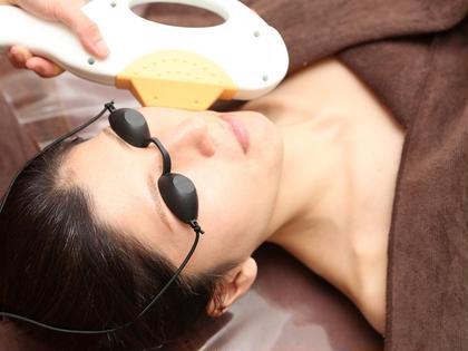 リフトアップ、毛穴の引き締め、ニキビ跡、お顔のトーンアップに効果的です!