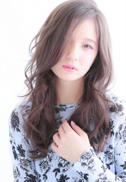 アッシュグレージュヘアカラーです! 黒髪がもつ嫌な赤みを消した透明感カラー! 赤味の全く無いブリーチならではの透明感のあるグレージュカラー! ブリーチの回数は髪質により個人差がありますのでご相談くださいね☆ DAYS(デイズ)所属・山田美紗希のスタイル