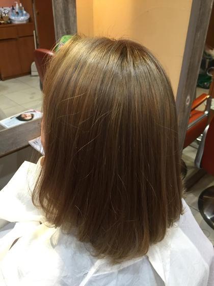 シルバーベージュ   ブリーチを3回してある髪にシルバーアッシュをオン! 外国人のような髪の透明感と色味! 人と差をつけたい人にオススメ!!  ¥3000円〜  Neolive  copain所属・増子幹樹のスタイル