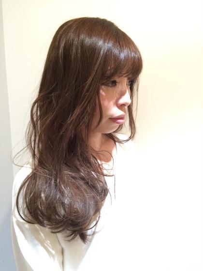 ロングをキープしたい人は顔周りに変化をつけてイメージチェンジしましょう 庵樹-anju-所属・富田麻亜子のスタイル