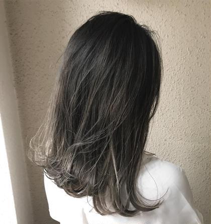 グレージュ系グラデーション✨ 毛先のブリーチは一回で出来ます  実際にご来店いただいてるお客様です✨ takumi.店長・美容師歴12年の