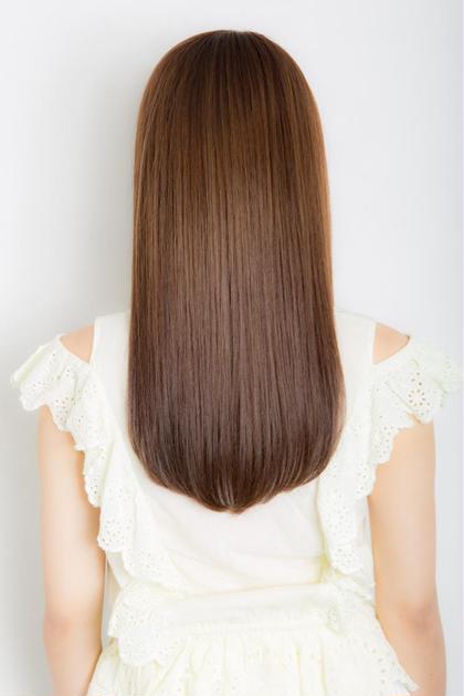 ウル艶になれる✨コスメ縮毛矯正+カット+高保湿シルクトリートメント