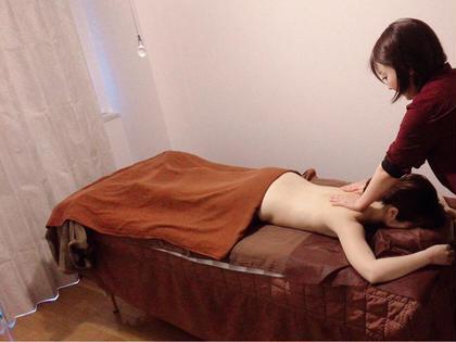 12月限定☀️お背中のオイルトリートメント&ドライヘッドスパ💆♀️肩甲骨周りを集中ケアします。