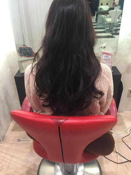〜ロングレイヤースタイル〜  質感調整得意です! 特殊なカット方法で切ると髪がしっかりしてても ゆるふわが再現できます^ ^ センター南 アース所属・畑中雄貴のスタイル