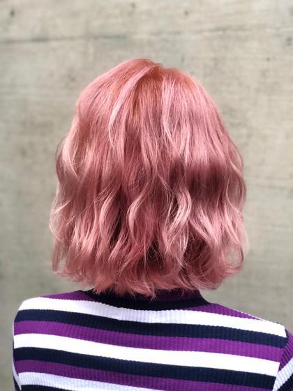 ペールピンク♡  ブリーチが3〜4回必要になります☻! 追加ブリーチ 1回 +¥3450 口コミ高評価★ 山田茜のミディアムのヘアスタイル