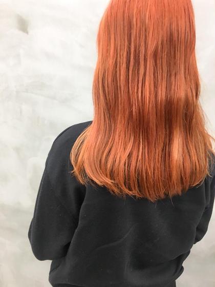 カラー ブリーチしてオレンジをおん🍊! おしゃれ感あっぷで、周りの視線をげっとできるスタイル!! #ダブルカラー#ハイトーン#ロング#オレンジ