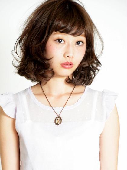 カラー パーマ ミディアム しっかりとしたカールで動きのあるミディアムスタイル☆