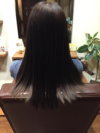 黒に近いアッシュでカラー、毛先7センチカットです✂︎ ストレートで仕上げました* teatro×limite所属・teatrohair salonのスタイル